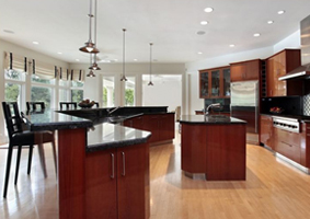 Flat Door Style Kitchen Cabinets Are A Great Choice For Warming Up A Modern  Kitchen. Unlike The Cold, Monochromatic Color Tones That Can Make Many.